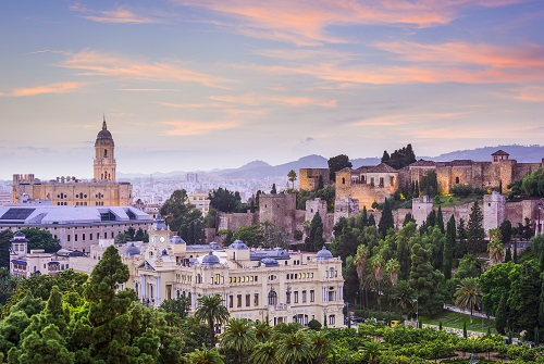Vista de la Alcazaba de Málaga al atardecer