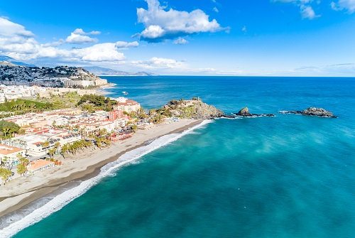 Playa en la costa de Granada